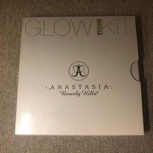 Anastasia Beverly Hills Glow Kit- Gleam